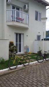 Casa em condomínio fechado na Enseada, Ubatuba.