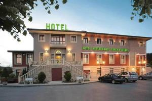 hotel gueñes