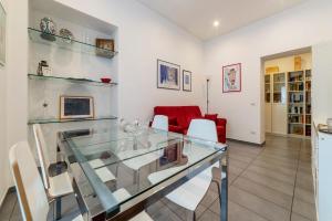 Porta Pia & Villa Torlonia Apartment with Balcony - abcRoma.com