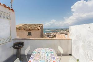 Casa Cavour con Terrazza sul Mare - AbcAlberghi.com