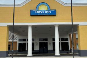 Days Inn by Wyndham Dothan
