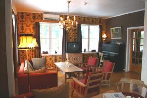 Furulund Pensjonat - Accommodation - Ron