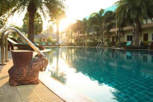 The Green Beach Resort - Kui Buri