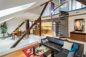 Magnificent twostory loft