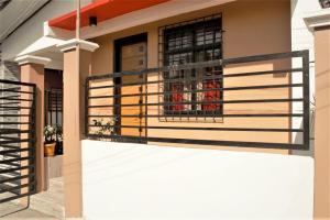 4BR House in Batangas City, FREE Wifi + Netflix