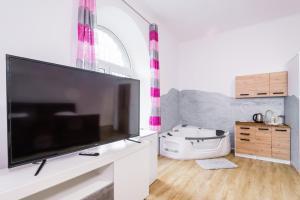 Jacuzzi JM Rooms Apartment WAWELOFTS