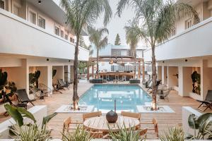 More Meni Residence & Suites