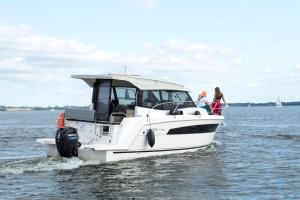Jacht motorowy Balt Tytan 918 3 kabinowy