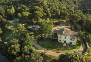 Mas Roca Casa rural deportiva vacaciones en familia - Hotel - Estanyol