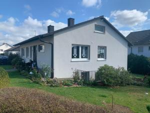 Sauerlandblick - Appartement & FeWo Wickede