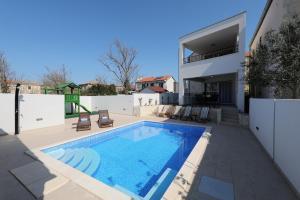 Villa Vittoria della Vita with private pool - AE 1043