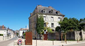 Location gîte, chambres d'hotes Le Voltaire dans le département Deux Sèvres 79