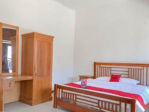 RedDoorz Resort near Darajat Garut