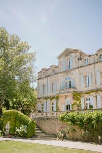 Location gîte, chambres d'hotes Chateau de Varenne dans le département Gard 30