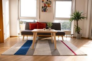 FULL HOUSE Studios KornhausPremium Apartment Balkon NETFLIX WiFi