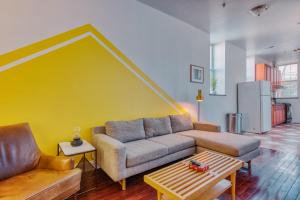 Center City 3-Bedroom Suites by Sosuite - Work-from-home dream