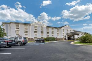 Comfort Inn&Suites Butler - Hotel