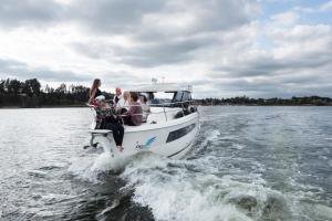 Jacht motorowy Balt Tytan 918 2 kabinowy plus SAUNA