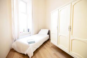 Traugutta 11 stylowe mieszkanie w sercu Łodzi