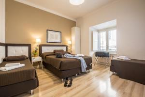 900 Liberty Rooms - AbcRoma.com
