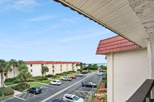 Ocean View Condo, Private Porch, Heated Pool and Hot Tub, Case vacanze  Coquina Gables - big - 35