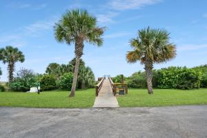 Ocean View Condo, Porch, Heated Pool, Hot Tub, Holiday homes  Coquina Gables - big - 21