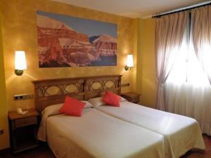 Hotel Arnal, Отели  Эскалона - big - 8