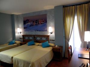 Hotel Arnal, Отели  Эскалона - big - 7