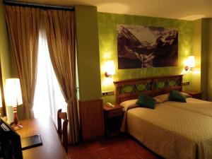 Hotel Arnal, Отели  Эскалона - big - 35