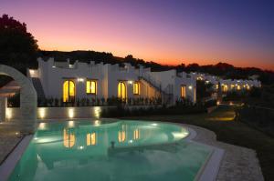 Baia Delphis Resort - AbcAlberghi.com