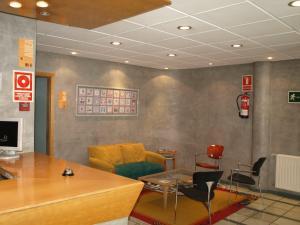A Hotel Com Lugones Alojamiento Barato Hoteles Baratos Precios