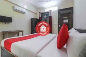 OYO 45265 Aditya Inn