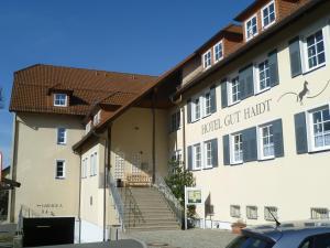 Landhotel Gut Haidt - Hotel - Hof