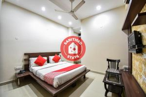 __{offers.Best_flights}__ OYO 2615 Hotel Lords