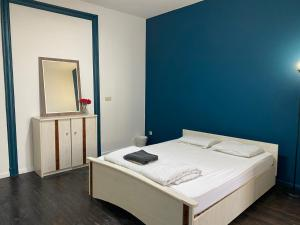 Nice room near Midi train station