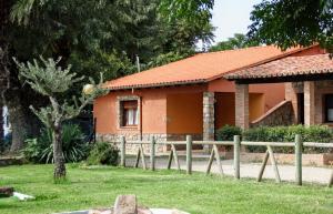 Complejo Turístico Las Cañadas, Casas de Campo y Bungalows, Villaggi turistici  Baños de Montemayor - big - 87