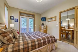 Crystal Forest #65 By Bear Country - Hotel - Sun Peaks