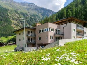 Lovely Apartment in Zwieselstein with Skiing Nearby