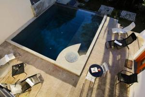 Private Room With Bathroom And Pool