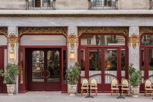 Location gîte, chambres d'hotes Hotel Rochechouart dans le département Paris 75