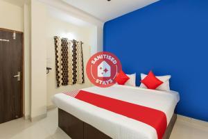 Vaccinated Staff - OYO 27862 Hotel Moonlight Inn
