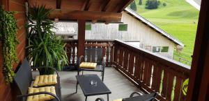 Bauernhof Sot Curtegns - Hotel - Savognin