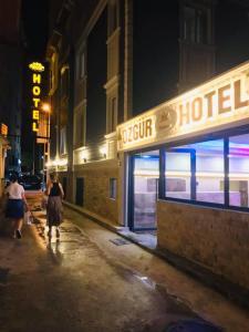 Özgür Hotel Işıklar