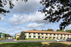 Quality Inn near Toms River Corporate Park