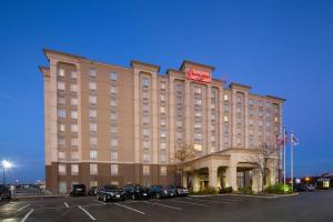 Hampton Inn & Suites by Hilton Toronto Airport - Hotel - Mississauga