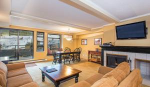 Carleton Lodge - Hotel - Whistler Blackcomb