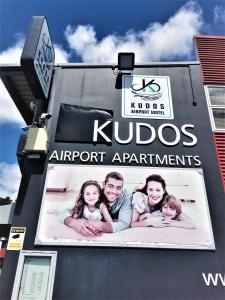 Kudos Business Suites & Airport Motel
