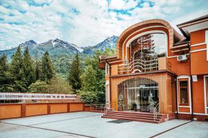 Alm House - Hotel - Krasnaya Polyana
