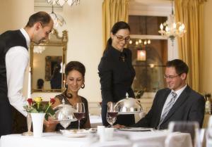 Romantik Hotel & Restaurant Fürstenhof, Hotely  Landshut - big - 67