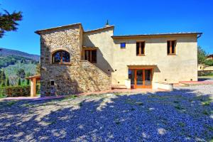 San Gimignano Villa Sleeps 6 Pool Air Con WiFi - AbcAlberghi.com